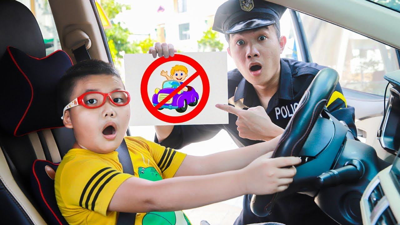 Leon Learns Rules of Conduct for Kids | Good & Bad Behavior for Children to Follow