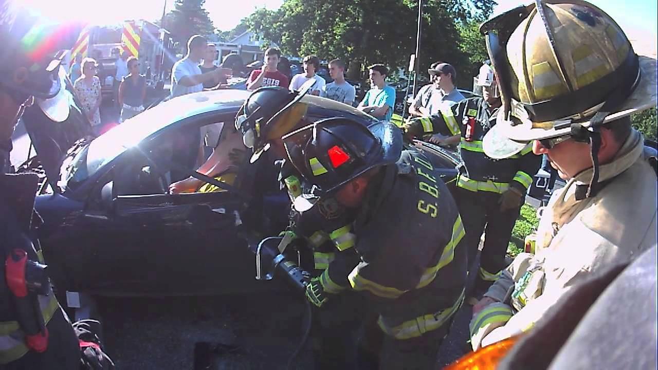 Rumson Fire Dept Extrication Drill - Driver Door Pop & Rumson Fire Dept Extrication Drill - Driver Door Pop - YouTube