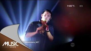 Video Kotak feat Damez Nababan - Sore Tugu Pancoran - Music Everywhere Tribute to Iwan Fals download MP3, 3GP, MP4, WEBM, AVI, FLV Maret 2017