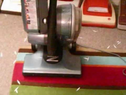 Hoover Z 700 Vacuum