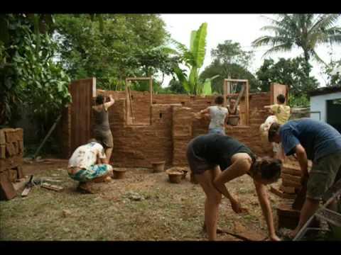 Volunteer Thailand - Mud Brick Building - April 2009