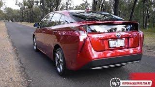 2016 Toyota Prius 0-100km/h & engine sound
