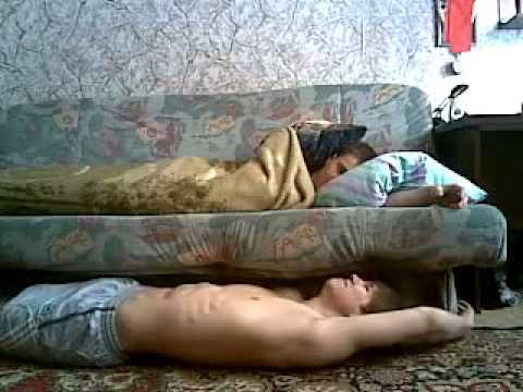смотреть видео младший брат овладел пьяной сестрой