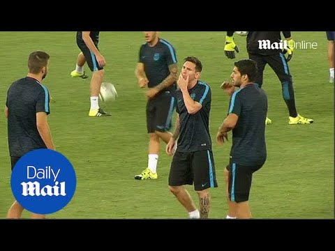 Messi and Suarez leading Barcelona training for UEFA Super Cup - Daily Mail