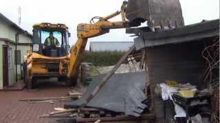 Ruszyły wyburzenia budynków na trasie PKM