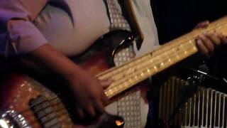 Rodney Skeet Curtis bass solo (Maceo Parker