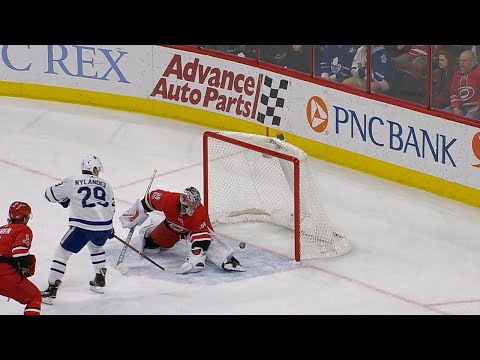11/24/17 Condensed Game: Maple Leafs @ Hurricanes