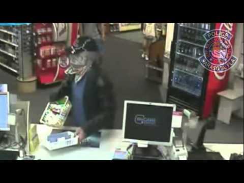 RAW: Customer tackles CVS robber