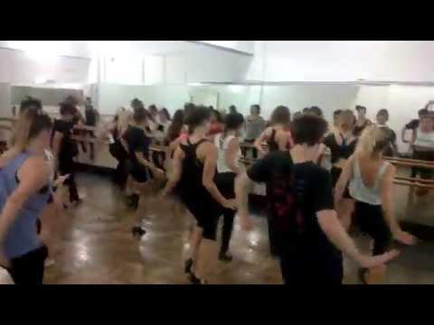 """Sing Sing Sing"" seminario de teatro musical por Chet Walker"