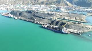 Погрузка угля в порту Невельска