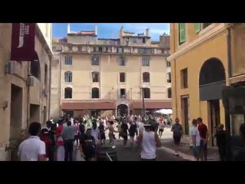 Russian charge through Marseille town centre