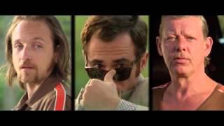 Дама в очках и с ружьем в автомобиле - Русский трейлер