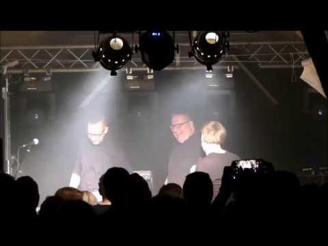 Gründungsmitglied Sören Köstel beehrt Beyond Obsession auf der Bühne
