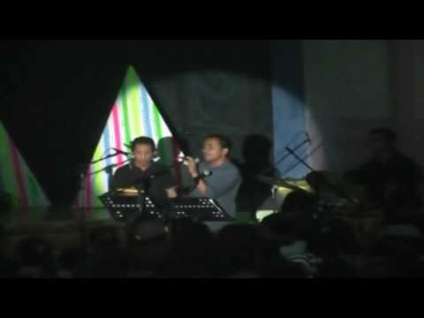Akustik All Ledalero tampil di aula Bhaktyarsa (2013)