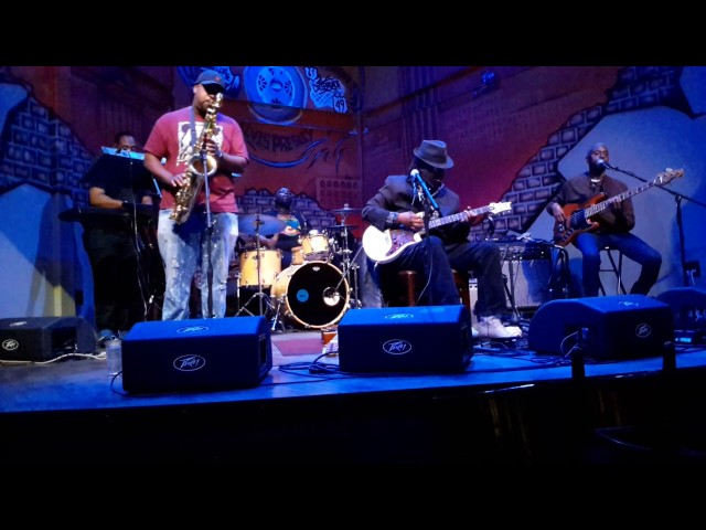 Juju Child at the Iron Horse Grill 2016(13)