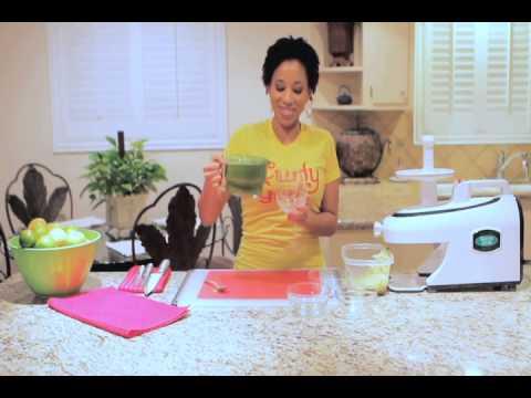 Juicy Recipes: Beauty Juice, Blood Builder, & Saturday Sunrise