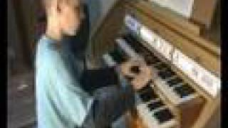 Bach Toccata and Fugue BWV 565 played by Gert ( my first video )