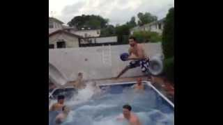 10 Man Pool Basketball Alley-Oop