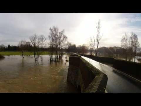 140105   GP   River Medway in Flood   Yalding