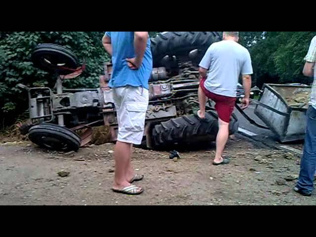 Wypadek - Traktor z przyczep? oraz BMW