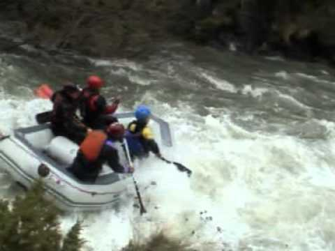 extreme rafting.mpg