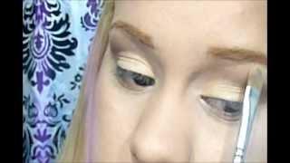 Un Maquillaje de ojos 7 opciones de labios Thumbnail