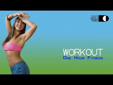 Workout Megamix  Non Stop Mix at 128 BPM