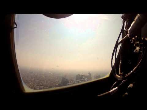 Flyvevåbnets Hercules Over Paris På Bastille-dagen