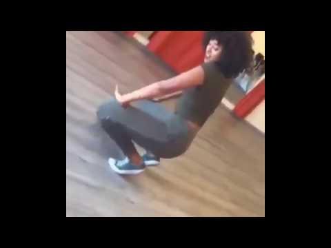 Habesha sexy dancing 😍 thumbnail