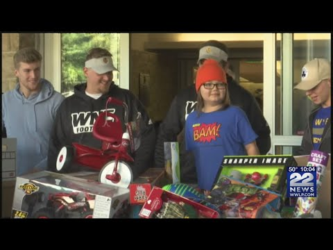 The Morning Rush - Boy with leukemia donates toys to other patients