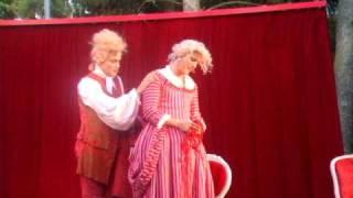 Stå inte där och prassla - Johannes Bah Kuhnke och Alexander Stocks i Figaros Bröllop