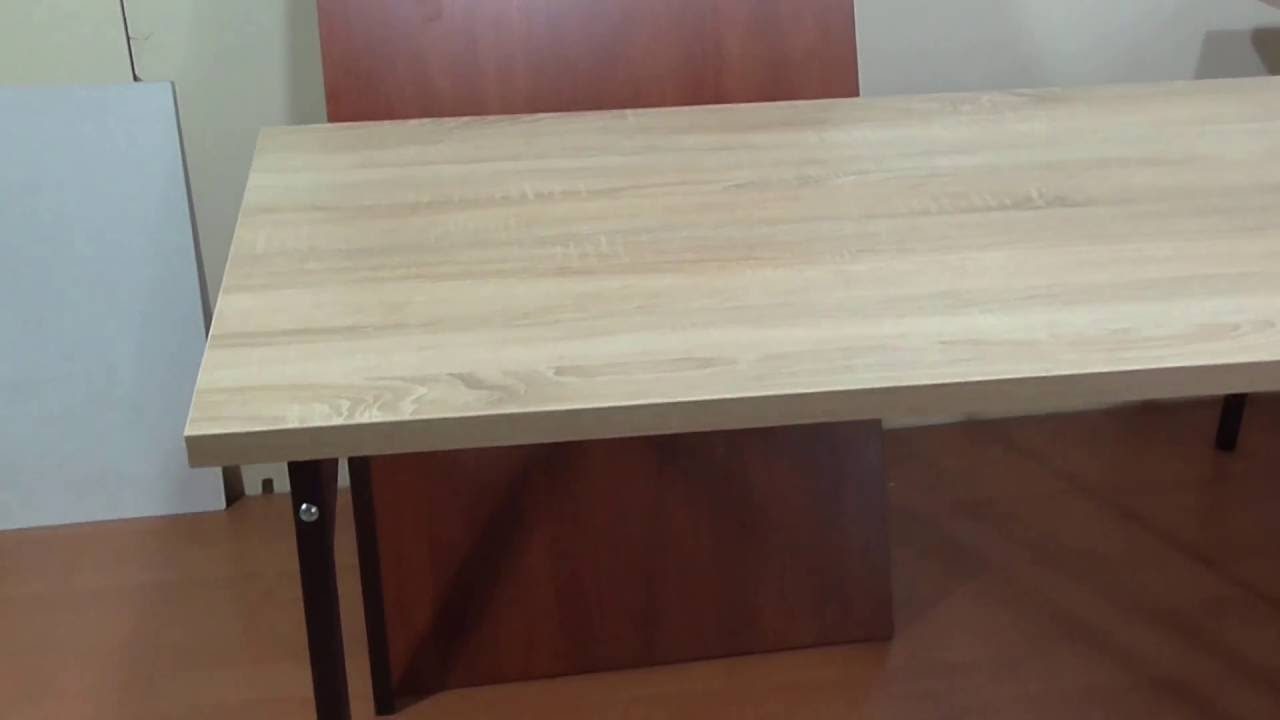 Складные письменные столы очень хорошо подходят для малогабаритных квартир. В чем особенность раскладного столика-секретера для дома?. Из каких материалов производят данные конструкции?