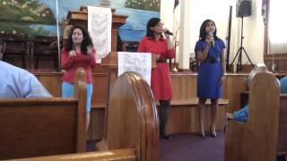 Repeat youtube video Grupo Adonai -Usa Mis Manos Senor