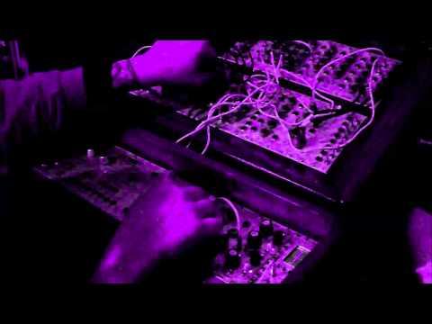 Techno Witch -  Love Them LFO (Modular Acid)