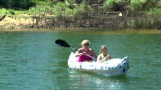 REVIEW  9 YEAR OLD GIRL PADDLING  MOTHER AROUND  LAKE SEA EAGLE 370