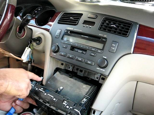How To Remove Radio Cd Changer From 2002 Lexus Es300 For Repair Rhyoutube: 2001 Lexus Es300 Radio Kit At Gmaili.net