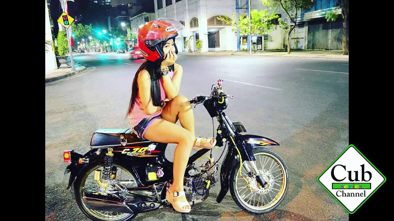 Sexy Women With Honda C70 Modified