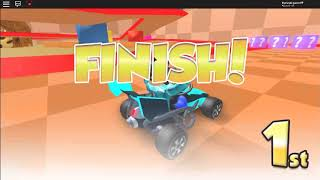 Roblox Meepcity Racing (RACING ON A HOTWHEELS TRACK!!!)