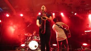 "Niila ""Play You"" (Live @Essigfabrik Cologne 09/10/16)"