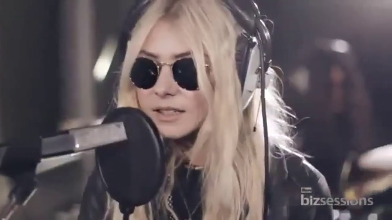 The Pretty Reckless FULL live show