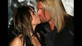 Stephaine Mcmahon and Triple H love story
