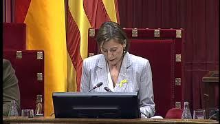 Carme Forcadell, declara la independencia de Cataluña en el Parlamento Catalán 27 octubre de 2017