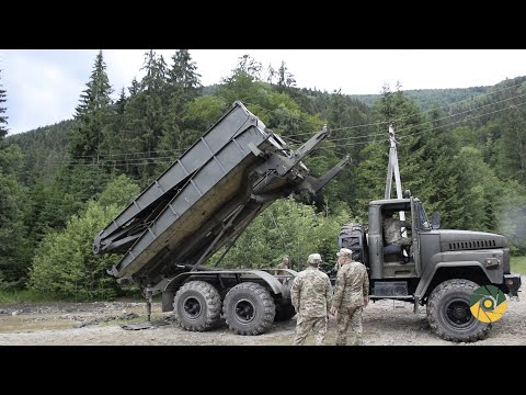 Військове телебачення України: Військові встановлюють тимчасові мости на Прикарпатті
