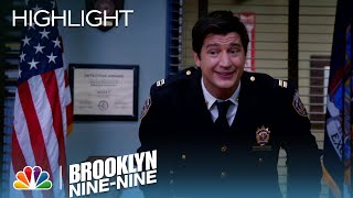 Brooklyn Nine-Nine - Captain C.J. Is Introduced to the Squad (Episode Highlight)