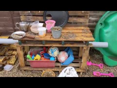 quick-and-easy-mud-kitchen-build-from-pallets