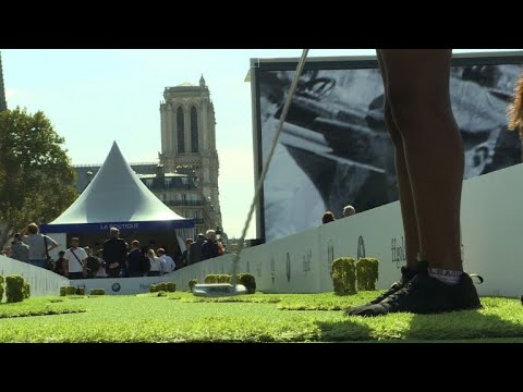 Paris holds special golfing event to promote Ryder Cup