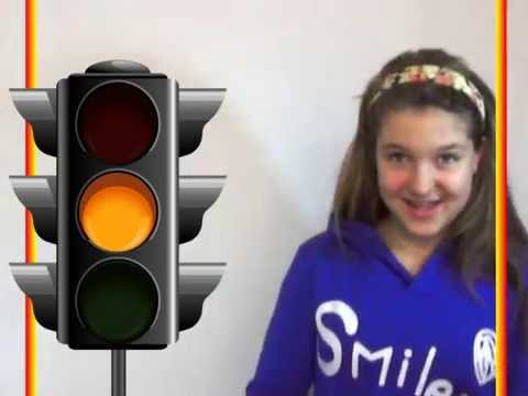 Песенка-запоминайка про светофор / Traffic light song. Наше всё!