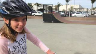 Scooter Skateboard Park! Learn English Words! Sign Post Kids!