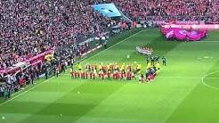 FC Bayern München - Borussia Dortmund Einlauf und Anpfiff
