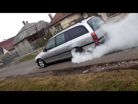 Opel Omega Burnout